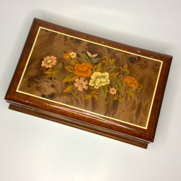 Vintage Japanese Floral Lacquered Wood Jewelry Box